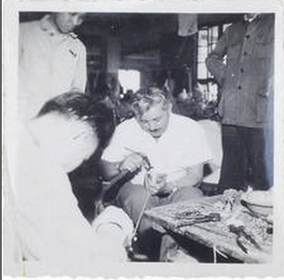 50年代皮鞋厂与苏联同行的交流,手工工艺比拼